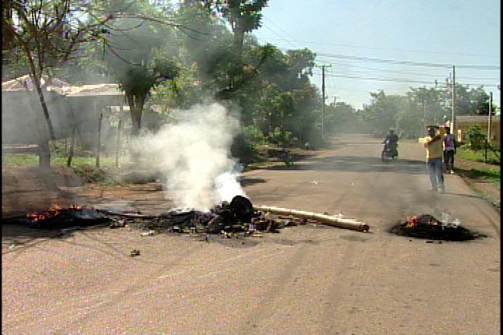 Protestan en sector La Cuaba del km 22 por falta de luz y agua