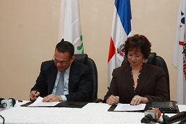 Firman acuerdo para fortalecer gestión de compras públicas