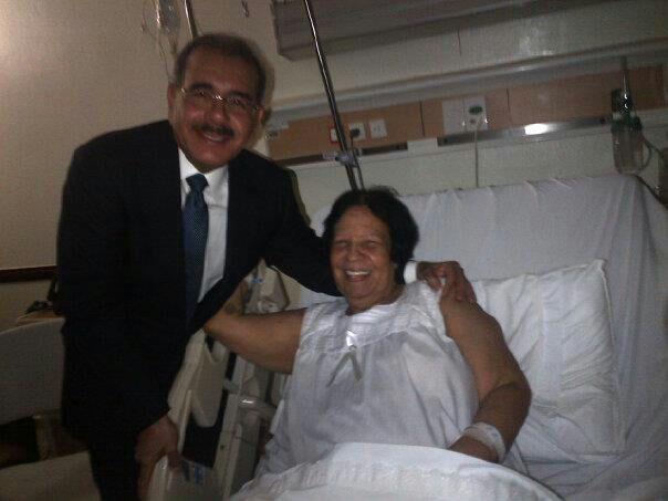 Presidente Medina realiza visitas personales en centros de salud