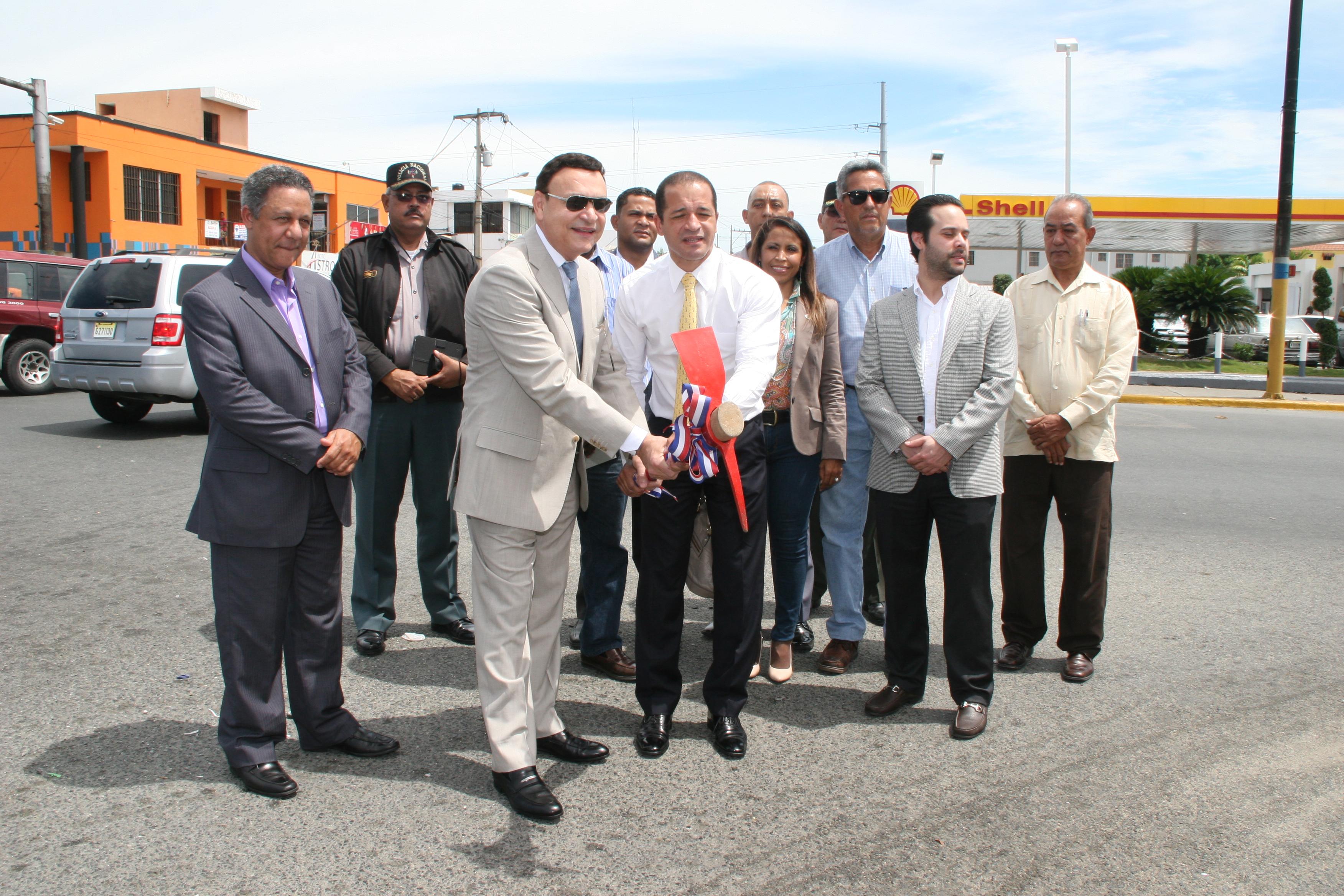 Inician trabajos de recuperación y reconstrucción de la avenida Venezuela