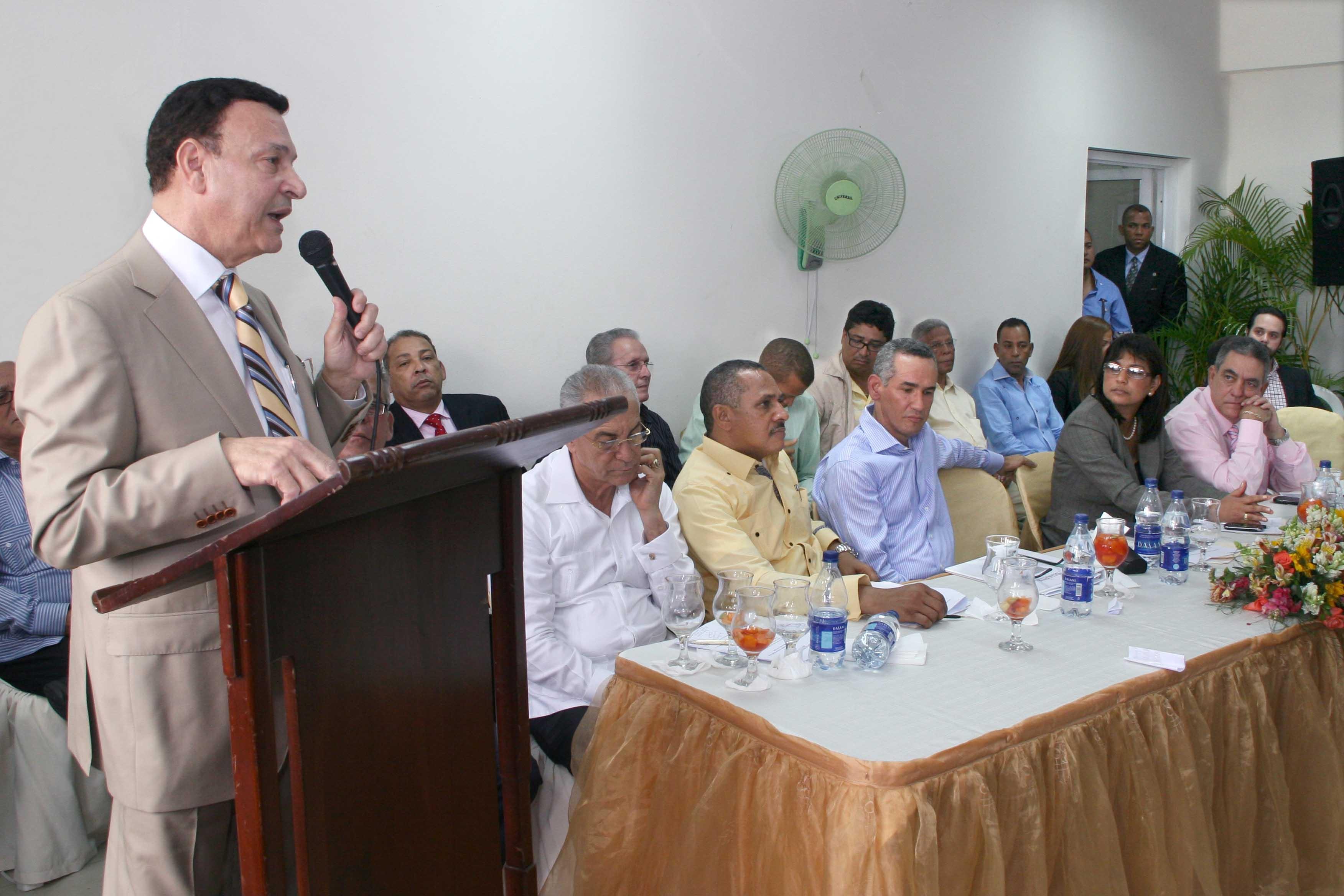 Construirán carretera SFM-Rio San Juan con inversión de RD$1,200 MM