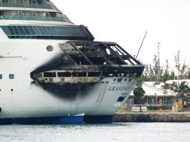 Incendio obliga a cancelar un crucero por el Caribe