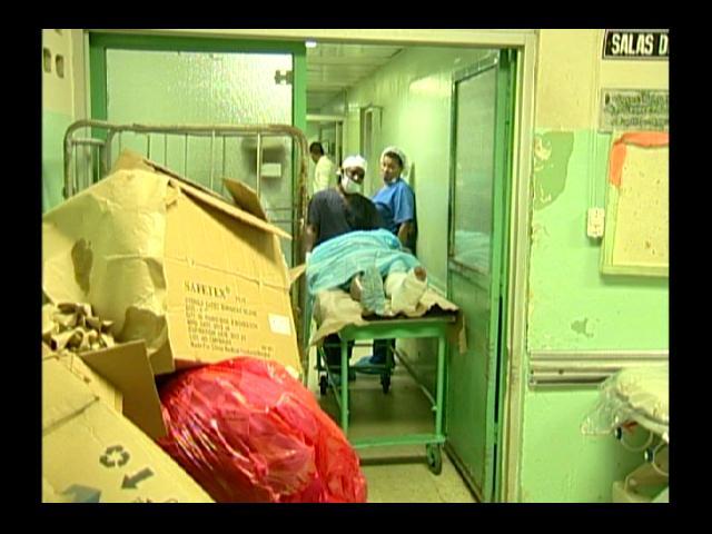 Presidente Medina sale horrorizado del Hospital Darío Contreras