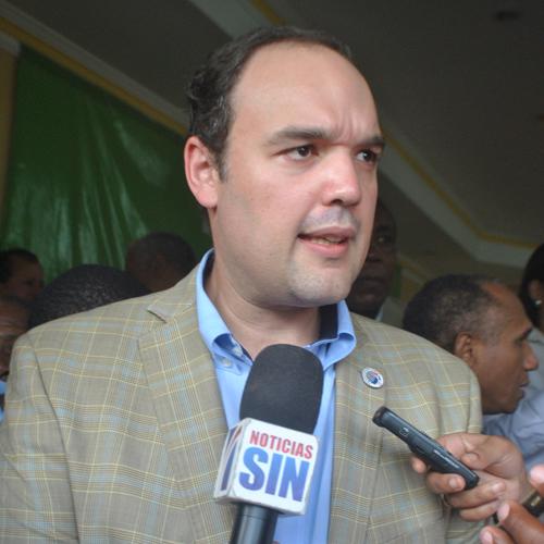 Ministro confía se aumente suministro de petróleo de Venezuela a RD