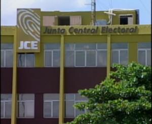 JCE suspenden todos los servicios en oficina central del Centro de los Héroes