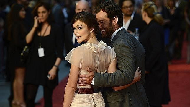 Hollywood busca chica sumisa para protagonizar Cincuenta Sombras de Grey