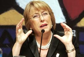 Bachelet vuelve al poder en un Chile más exigente y que crece menos