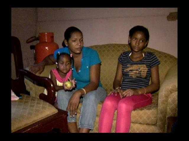 ¡Necesita ayuda! Madre con tres niñas enfermas pide empleo