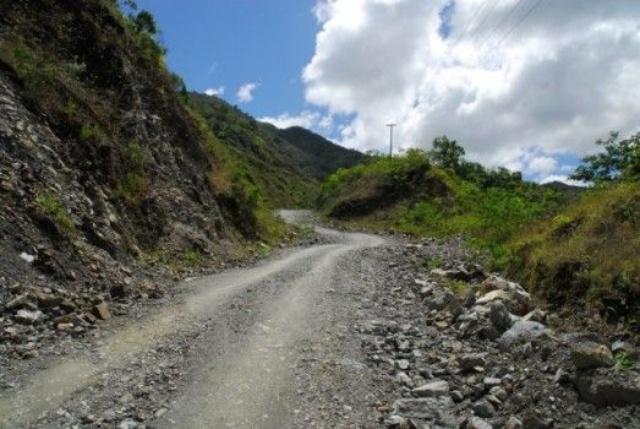 Legisladores dicen carretera Cibao-Sur debe cruzar comunidad de línea Noroeste
