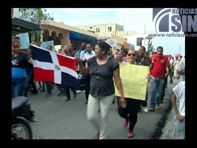 Protestan en contra de la reubicación de la Barquita en área protegida