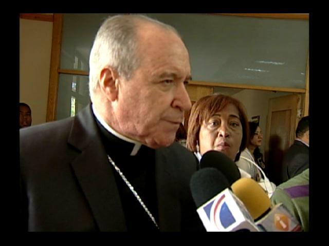 Cardenal dice contrato Barrick tiene atado al Gobierno