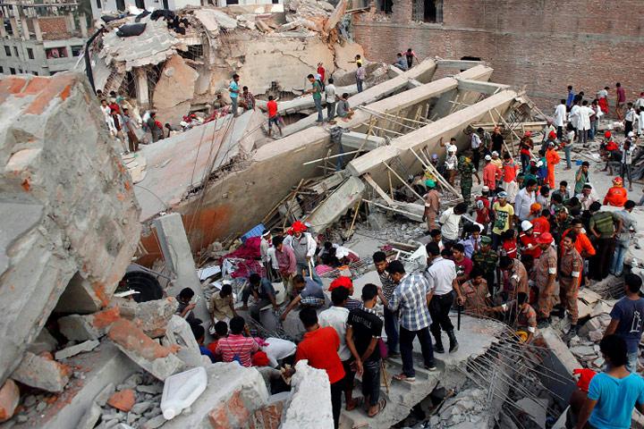Derrumbe de complejo textil Bangladesh ha causado más de 400 muertos