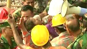 Encuentran una sobreviviente en escombros de Bangladesh tras 17 días