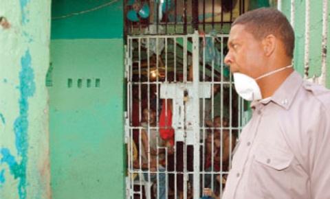 CNDH denuncia mal estado de cárcel preventiva de Higüey