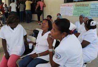 Enfermeras mantienen paro indefinido en hospital de SJM