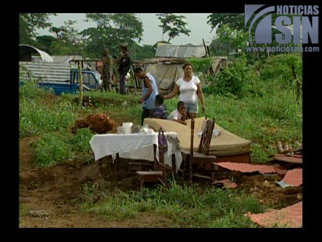 ¡Otra vez! Desalojan más de 700 familias en Villa Liberación