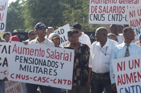 Unión de Trabajadores propone aumentar un 30% a salarios