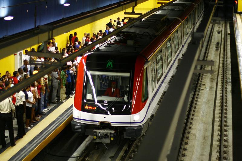 El metro publica horarios especiales de Navidad y año nuevo