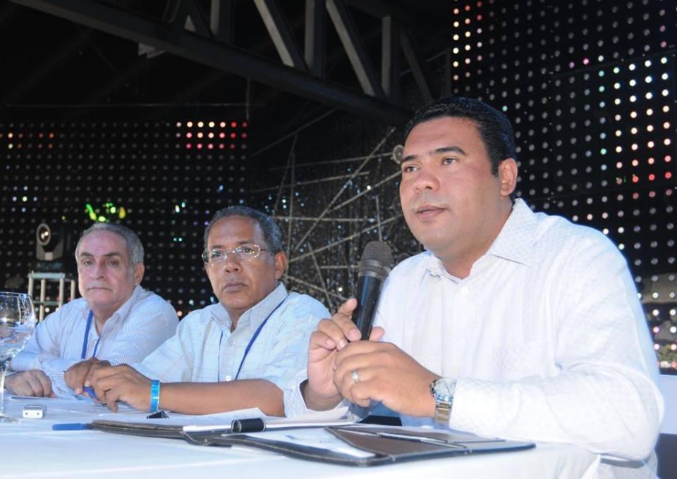 Adompretur defiende a viceministro Turismo; dice no emitió opinión sobre Puerto Plata