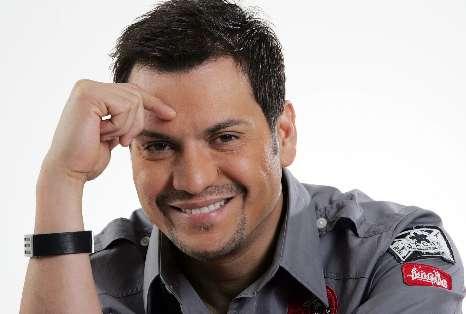 El puertorriqueño Víctor Manuelle da espaldarazo a la mujer dominicana