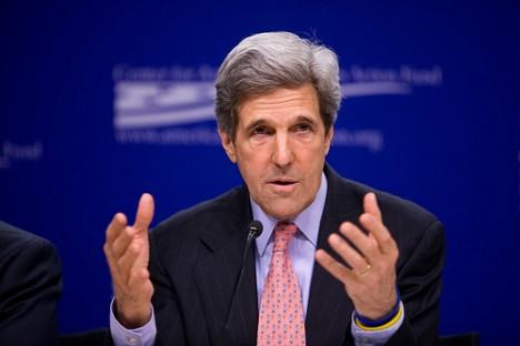 Kerry anula visita a España y es repatriado a EEUU tras accidente bicicleta
