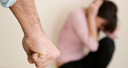 Mujer denuncia maltrato de su ex esposo