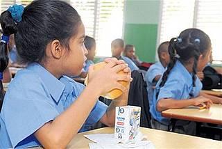 Director de INABIE niega que Gobierno tenga deuda con suplidores del desayuno escolar