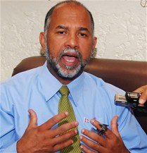 ADP rechaza escuela pública MOVEARTE sea manejada como privada