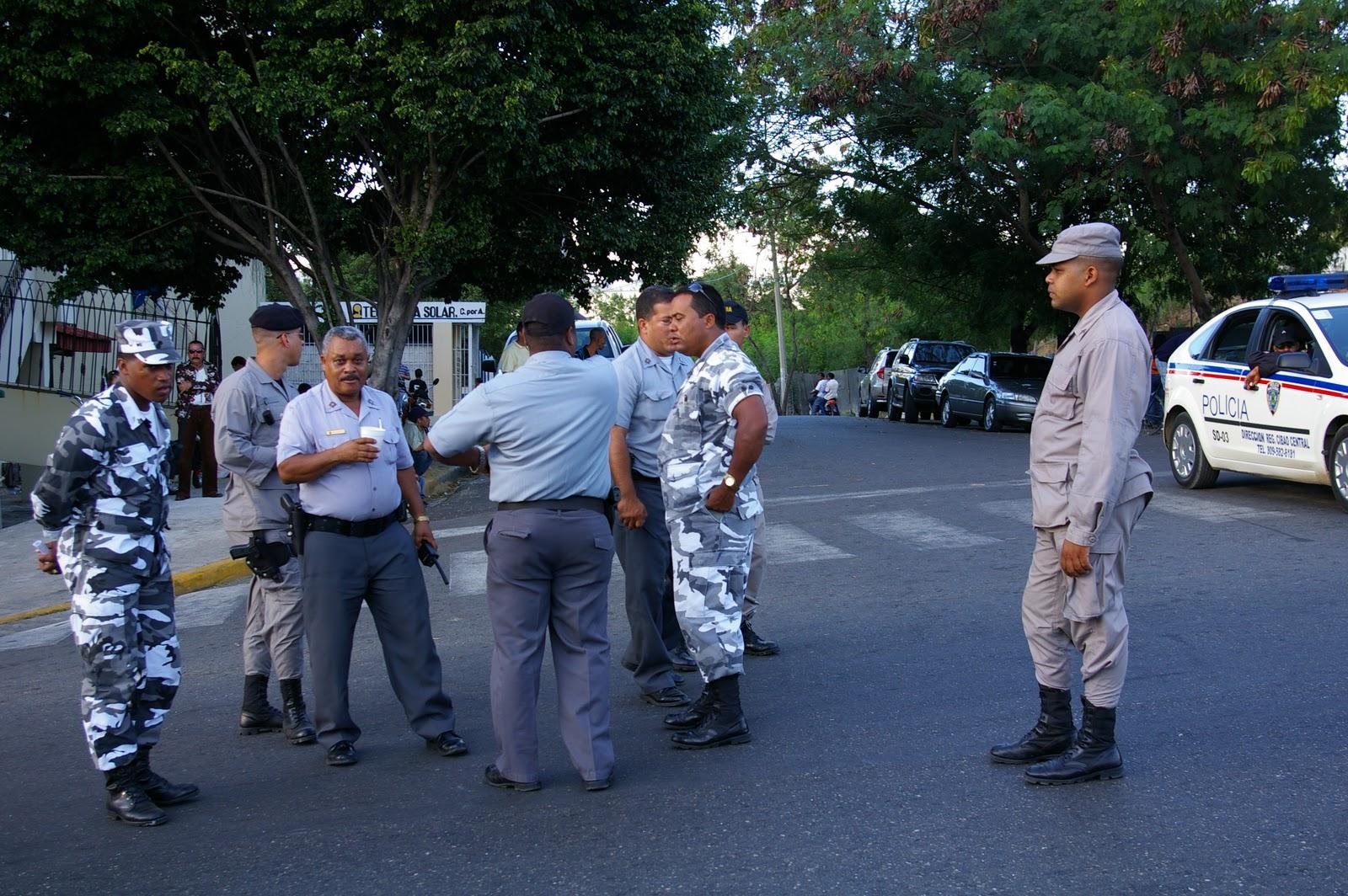 "Jefes PN y FARD supervisan operativo ""Navidad Tranquila"""