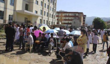 China intenta evitar que la lluvia empeore la situación en la zona del sismo