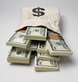 Encuentran 100 mil dólares en efectivo abandonados en un Burger King de EEUU