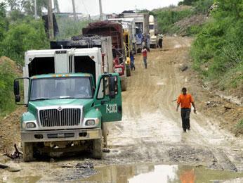 Falta de equipos complica el depósito de basura en Duquesa, dice Roberto Salcedo