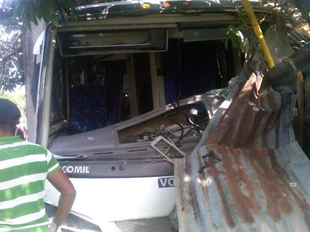 Al menos 20 muertos y 37 heridos en accidente de autobús en Haití