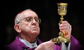 Papa Francisco oficia primeros matrimonios, que son