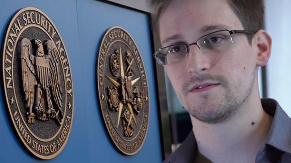 Snowden reaparece en la televisión rusa para hacer una pregunta a Putin