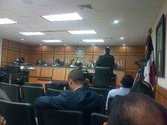 Jueces TSE deliberan; esta tarde emitirán fallo sobre recurso de amparo incoado por facción HM