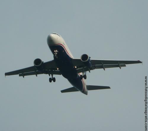 Un avión con pasajeros cae al mar cerca de las islas Canarias