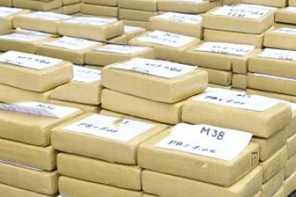 Decomisan más de una tonelada de cocaína en vivienda en provincia ecuatoriana