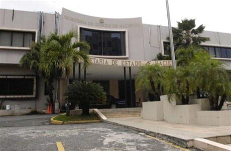 Hacienda desmantela bancas ilegales en San Cristóbal