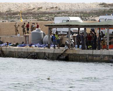 Lampedusa vuelve a sacar los colores a Italia y la UE amenaza con sanciones