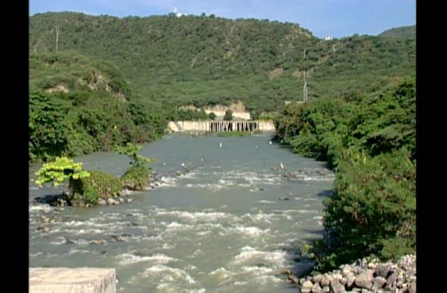 De forma gradual comienzan desagüe de la presa de Sabana Yegua