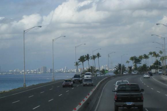 MOPC interviene tramo de la autopista Las Américas