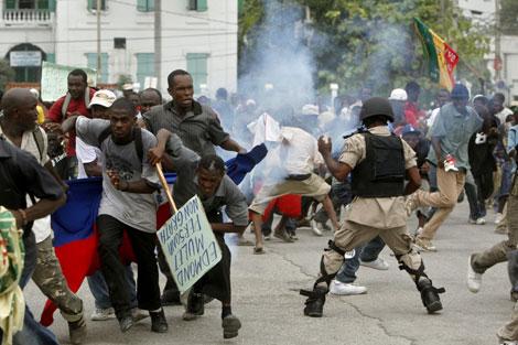 Un muerto y varios heridos en manifestación contra Gobierno haitiano