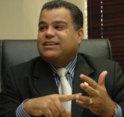Gobierno no está para cubrirle ganancias ilegales a ABA, dice Senador Galán