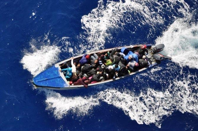 Detienen a cinco cubanos al desembarcar en isleta al oeste de Puerto Rico