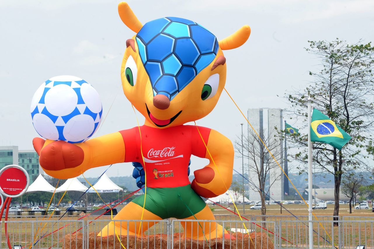 Seleccionador ecuatoriano da como favorito a Brasil para ganar el Mundial