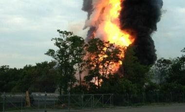 Piden evacuar un pueblo de EE.UU. por explosión tras colisionar dos trenes