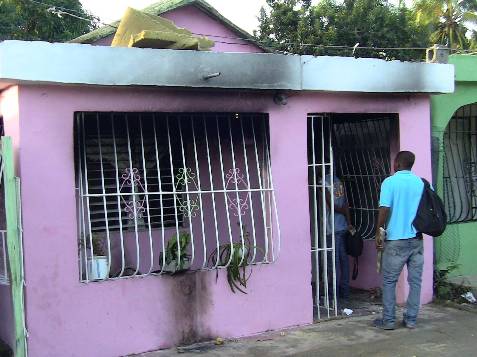 Una mujer prende fuego a la casa de su exmarido
