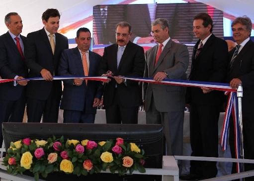 Presidente Medina inaugura carretera Cruce de Ocoa- San José de Ocoa