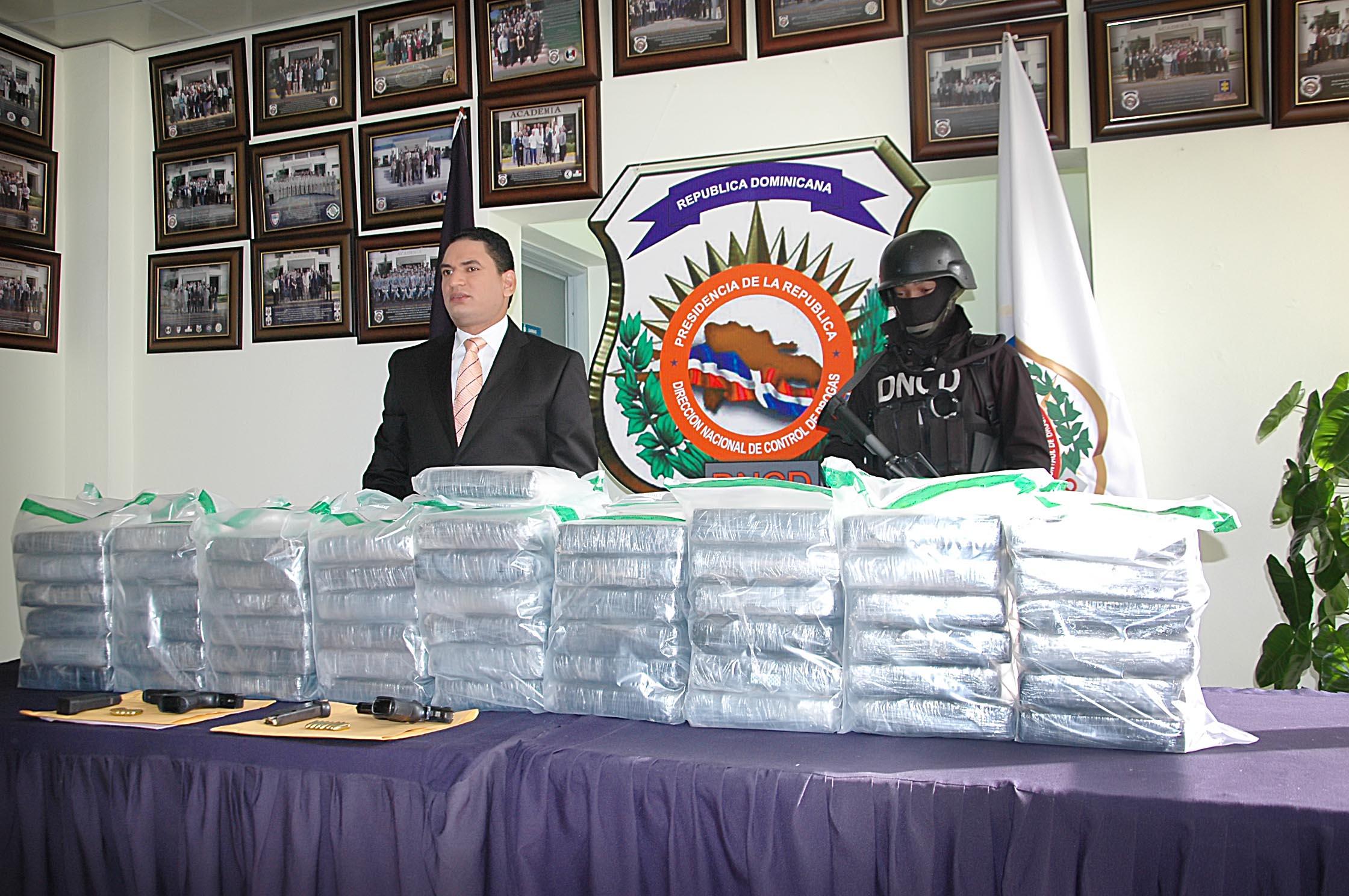DNCD decomisa 103 paquetes presumiblemente de cocaína